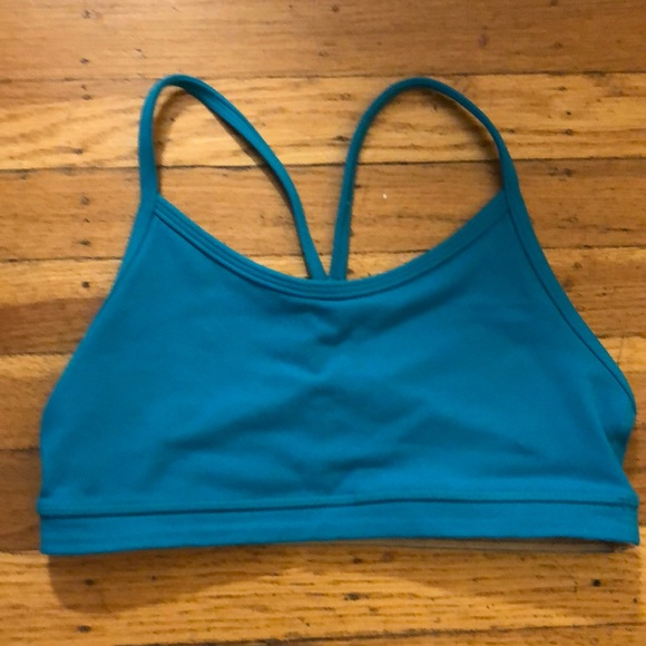 e91bd52b05 lululemon athletica Other - Lululemon Teal Sports Bra   Free Coverup Top